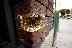 GEODE STREET ART PROJECT: These  3D paper sculptures come in all sizes and fit in the holes of buildings and pipes. The finished shapes represent geodes, crystal, quartz, or any mineral formation that you would normally find in nature, now in our planned out cities. By A Common Name. http://media-cache0.pinterest.com/upload/27936460158653183_Qi0TysFV_f.jpg MaiBriPhoto art illustration