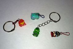 Show your children how to transform their favorite characters and superheroes into their own keychains.