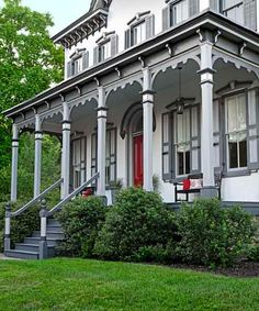 Three shades of gray bring out the stunning details in this Pennsylvania reader's Italianate.
