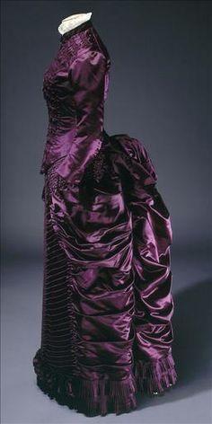 Dress 1883.