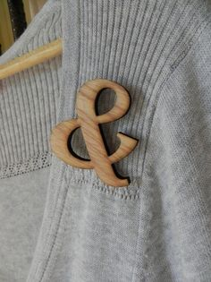 Style: Eleven Awesome Ampersands  Adorable wooden Ampersand Brooch by Marley & Lockyer via Etsy