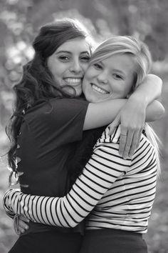 Best friend senior pictures #cute #photography