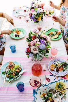 Bachelorette Brunch, romantic summer table setting