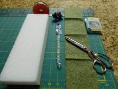 Little House Needleworks Cube Tutorial with out sewing or glue!