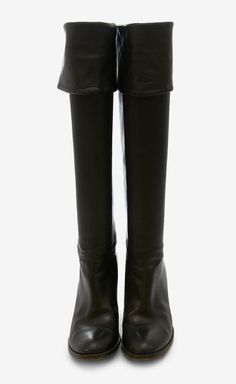 Must have - Have you found your perfect pair of black boots yet? - monstylepin #fashion #musthave #trend #black #boots