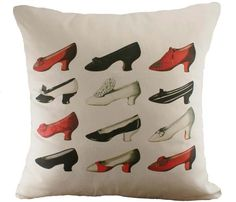 Vintage Shoes Cushion Cover cushion covers, de decoração, cushions, decor pillow, vintage shoes, vintag shoe, decor idea, shoe cushion, eye