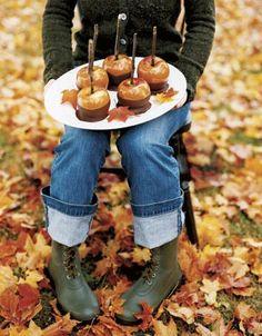 Caramel apples! fun idea, chocolates, autumn leaves, fall fun, candy apples, caramels, fabul fall, country, caramel apples