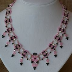 Pink Lady Beaded Necklace Pattern by Cecilia Rooke at Bead-Patterns.com