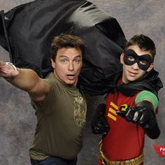 Who wouldn't want to be his sidekick? | John Barrowman Is Apparently Having A Terrific Time At Phoenix ComiCon