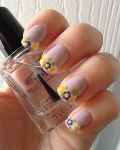 Flower French Tips «This entire design was done with dotting tools.