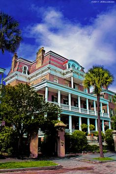 """Battery Carriage House Charleston, SC - This is where we spent our Honeymoon in a room that was haunted - did not know about the Gentleman Ghost until we took the Ghost Tour - not much """"honeymooning"""" went on after that..."""