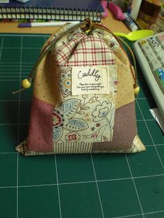 Sewing Steph: Drawstring Pouch Tutorial