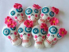 Decorations party favors, bead, pattern, los muerto, sugar skull, garlands, felt skull, dead, parti