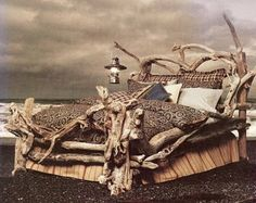 awesom driftwood, driftn chic, driftwood furniture, beds, driftwood art