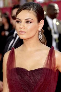 mila kunis always has such gorgeous makeup