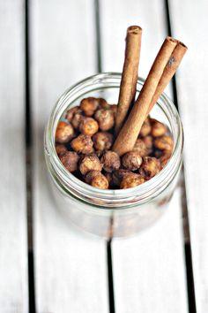 Cinnamon & Sugar Roasted Chickpeas | paint and tofu