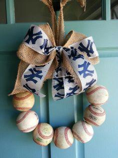Go Yankees! baseball wreath.  By krisatc05