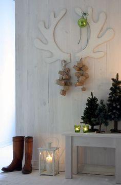 DIY Cardboard Reinde