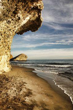 Punta de la peineta    Playa del Monsul, Cabo de Gata