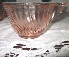 6-5 oz Pink Swirl/Twist Tea/Coffee/Punch cups with ART DECO Handle