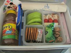 CHECK out this Mom's Flicker site, 123 pix of diff healthy lunches for kids!! AWESOME!