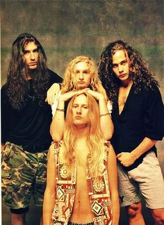 Alice In Chains. No matter what, grunge will always be my favorite subgenre and the one I connect with the most <3