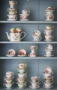 I have a slight obsession with cute tea cups and tea pots. I would totally do this.
