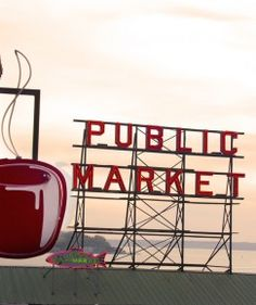 Pike's Place Market, one of my favorite places in Seattle.