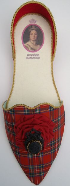 Queen Victoria's gift holder in Stuart Tartan