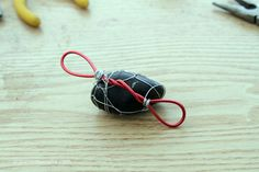 Dollar Store Crafts » Tutorial: Rain Chain from Wire-Wrapped Rock