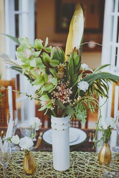 green and gold centerpiece // photo by JonathanConnolly.com
