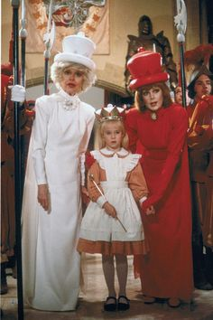 *Alice in Wonderland (1985) Carrol Channng's white queen was SCARY. Scarier than the jabberwocky!