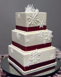 Love for a winter wedding in Lake Tahoe -Trumps Catering: Winter Wedding Cakes