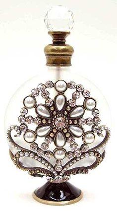 ~ Gorgeous Perfume Bottle ~