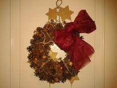 Navidad reciclada on pinterest navidad libros and ideas for Coronas de navidad hechas a mano