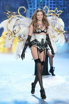 What's better than Angel wings? Gilded Angel wings (on Behati).