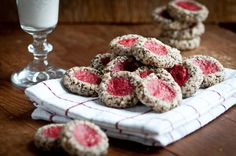 Raw Strawberry Thumbprint Cookies #Paleo
