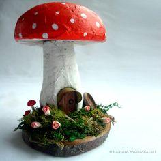 Redcap Mushroom / Toadstool Fairy House