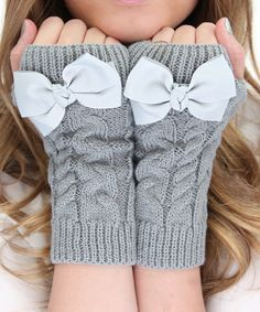Gray Bow Fingerless