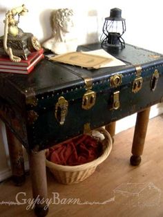 old trunks, vintage trunks, old suitcases, trunks as tables, accent piec