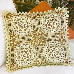 Crochet Art: Crochet Pillow Cover - Free Pattern - Sophisticated