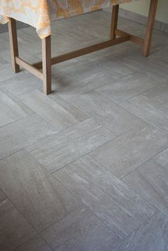 Tile Entry Way / Foyer/ Minimal Tile Design