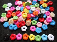 50 pcs  Cute flower button 2 hole  size 15 mm  by myluckynumber9, $2.50