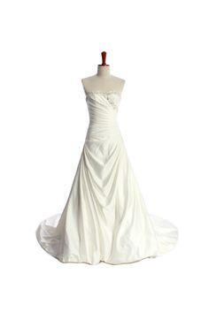 A-line Sweetheart Chapel Train Charming Satin wedding dress