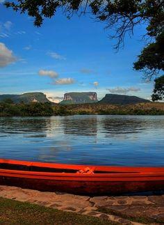 Laguna de Canaima... (Estado Bolívar).