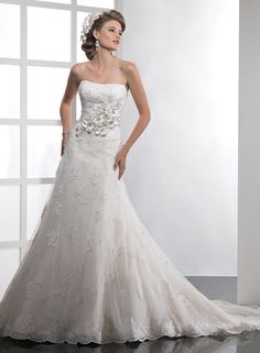 charming flower lace applique wedding dress, perfect design