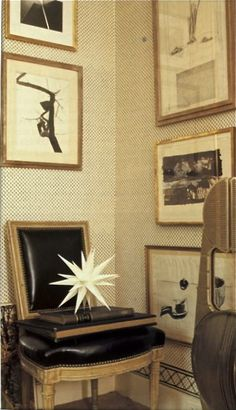 Albert Hadley dressing room wall paper