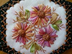 I ❤ ribbon embroidery . . . Bee Quilt, heart flowers in relief tutorial ~By Marie-Lise,
