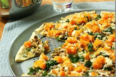 Butternut Squash Kale Flatbread from Eat Chic Chicago. Find the healthy recipe at http://www.eatchicchicago.com/blog/2012/10/06/weeknight-meals/