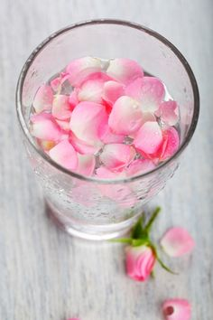 Benefits of Rosewater for Skin